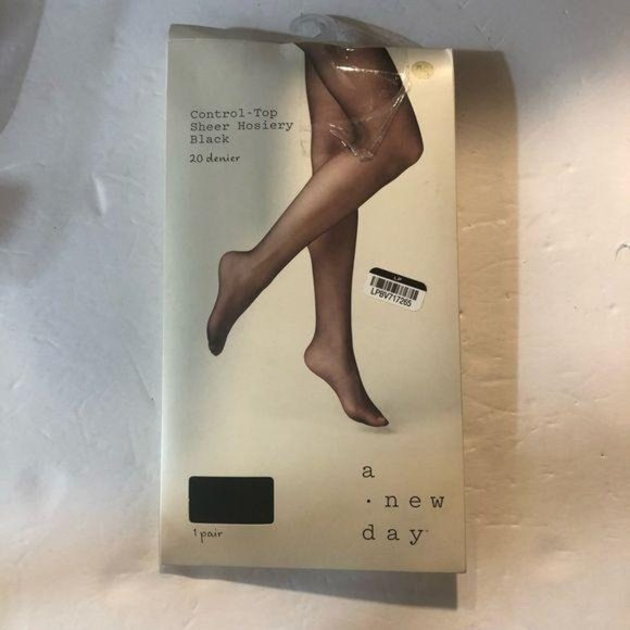 A new day control-top sheer hosiery black size M\L